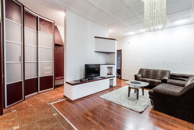 Фото 2-комнатная квартира в Минске на ул. Свердлова 19